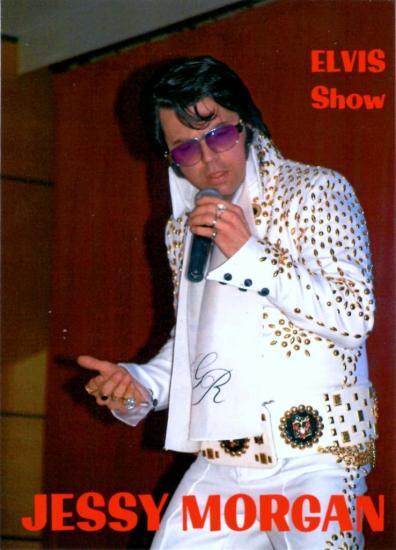 show-elvis-3.jpg